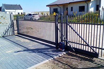 Brama ogrodzeniowa wraz z automatyką