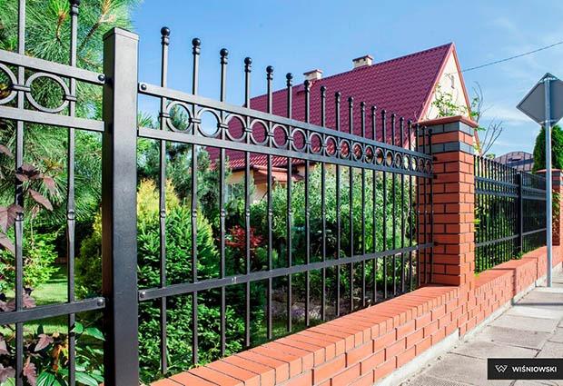 Brama ogrodzeniowa typu style